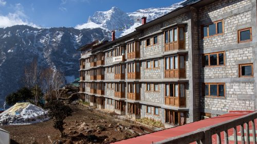 Hotels in Everest