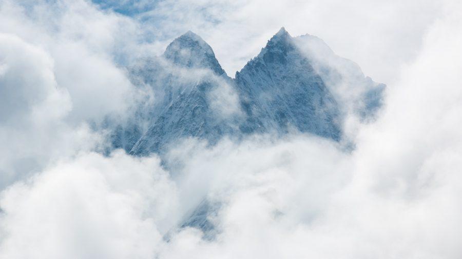 Thamserku behind clouds
